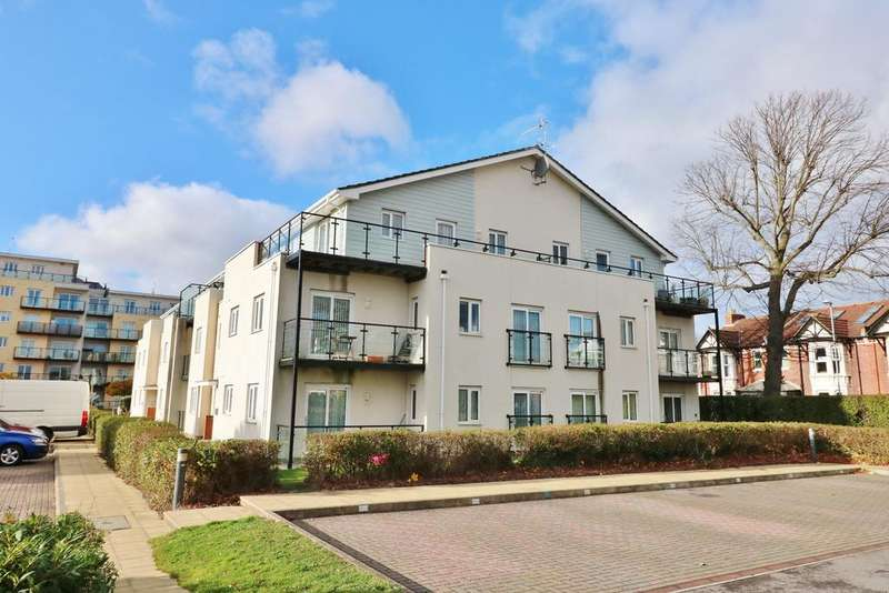 2 Bedrooms Penthouse Flat for sale in Gisors Road, Southsea
