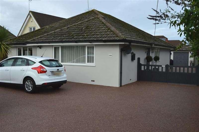 3 Bedrooms Detached Bungalow for sale in Blandford Road, Wimborne, Dorset