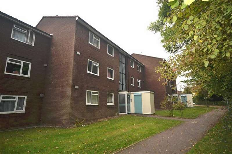 2 Bedrooms Flat for sale in Scrubbitts Square, Radlett