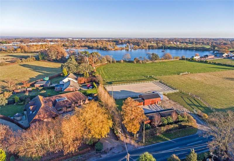4 Bedrooms Equestrian Facility Character Property for sale in Hunston Road, Chichester, West Sussex