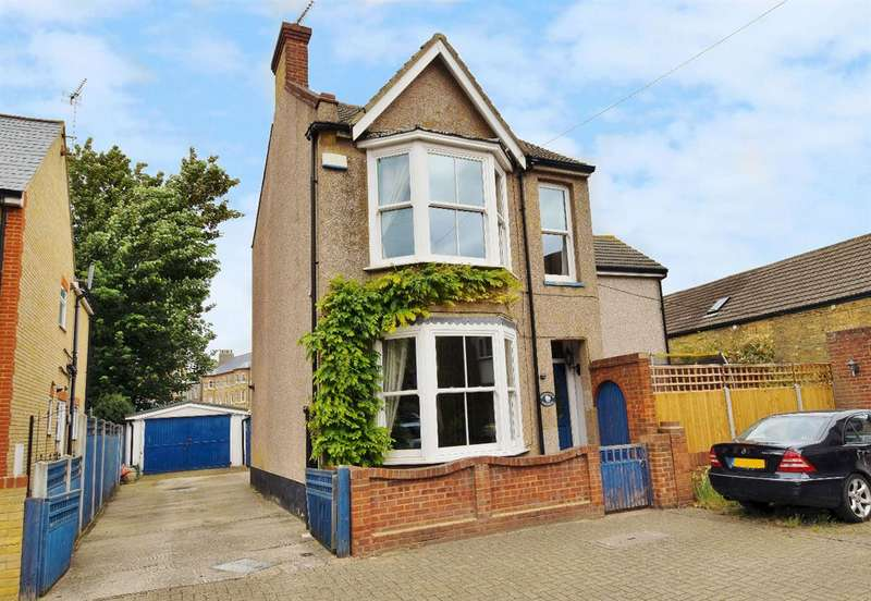 5 Bedrooms Detached House for sale in Brunswick Square, Herne Bay