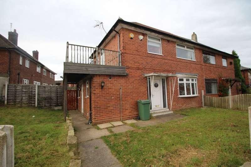 3 Bedrooms Property for sale in Lanshaw Road, Leeds, LS10