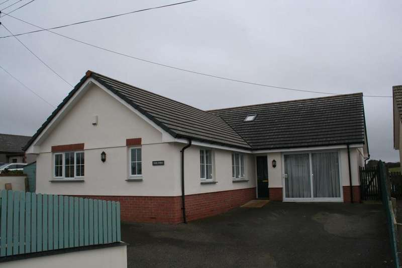 3 Bedrooms Bungalow for sale in Poundstock, Bude