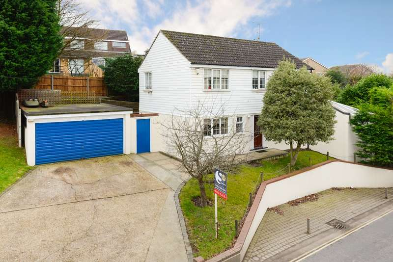 4 Bedrooms Detached House for sale in Ware Street, Maidstone, ME14