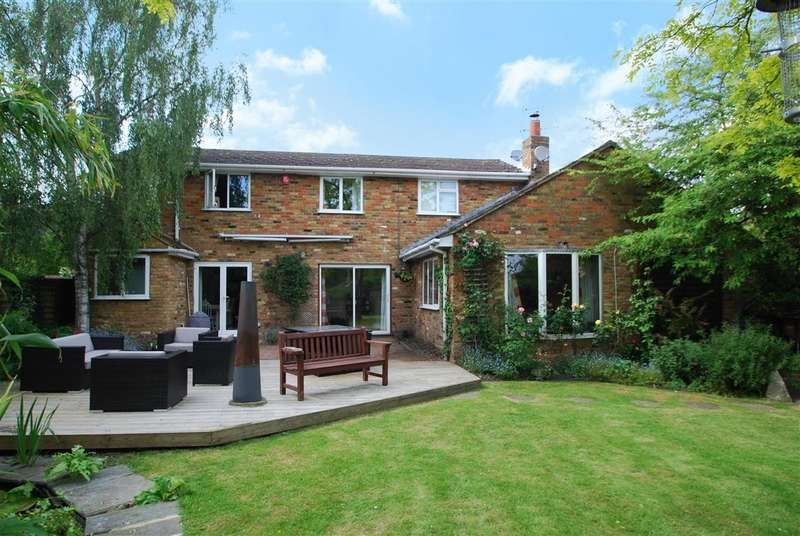 4 Bedrooms Detached House for sale in High Street, Burnham, SL1