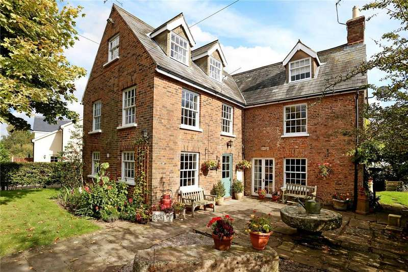 5 Bedrooms Detached House for sale in Newnham, Gloucestershire
