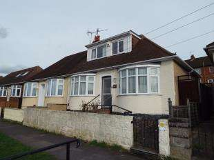 2 Bedrooms Bungalow for sale in Delce Road, Rochester, Kent