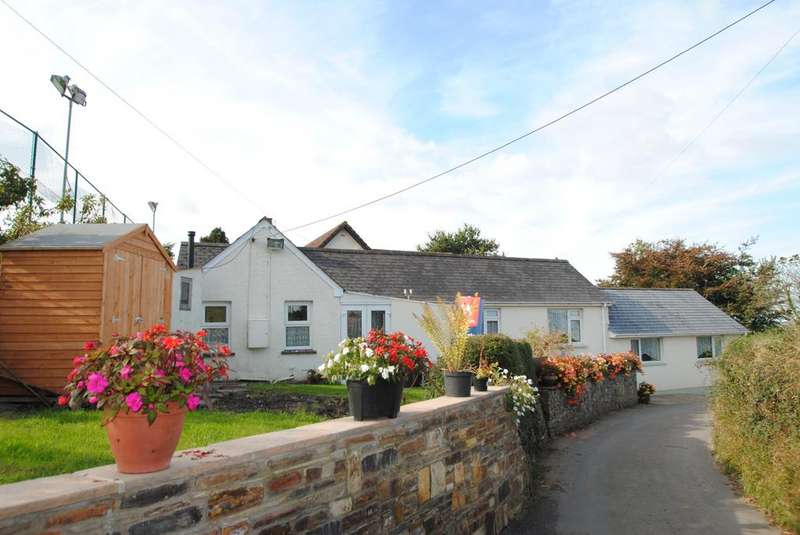 3 Bedrooms Bungalow for sale in Bests Lane, Torrington