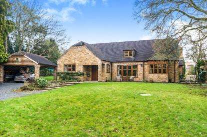 4 Bedrooms Detached House for sale in Wyson, Brimfield, Ludlow, Shropshire