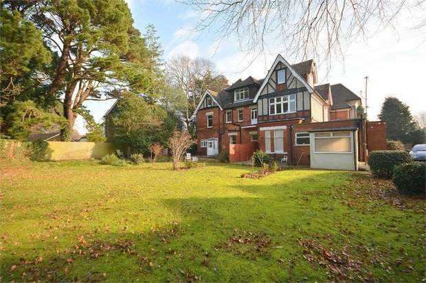 2 Bedrooms Flat for sale in Cavendish Road, Dean Park, Bournemouth