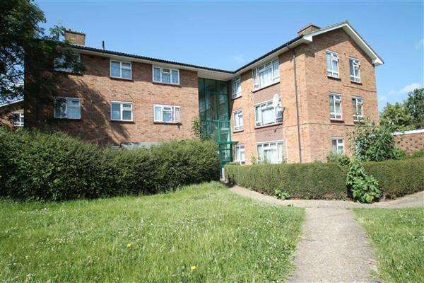3 Bedrooms Apartment Flat for sale in Moorfield Road, Cowley