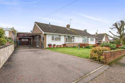 2 Bedrooms Bungalow for sale in Poringland, Norwich, Norfolk