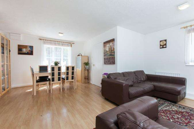 1 Bedroom Flat for sale in Godolphin Place, Acton
