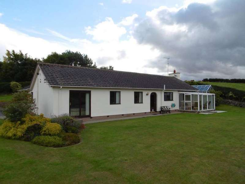 4 Bedrooms Detached Bungalow for sale in 66 Cadnant Park, Conwy, LL32 8PE