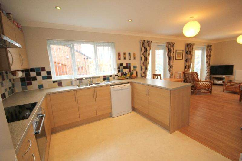 4 Bedrooms Detached House for sale in Fleming Way, Willington