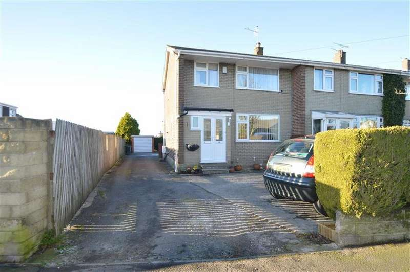 3 Bedrooms Town House for sale in New Park Road, Queensbury BD13, Queensbury