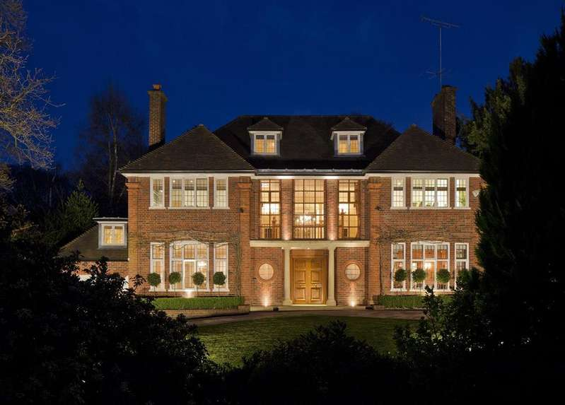 6 Bedrooms Detached House for sale in Bracken Knoll, Courtenay Avenue, N6
