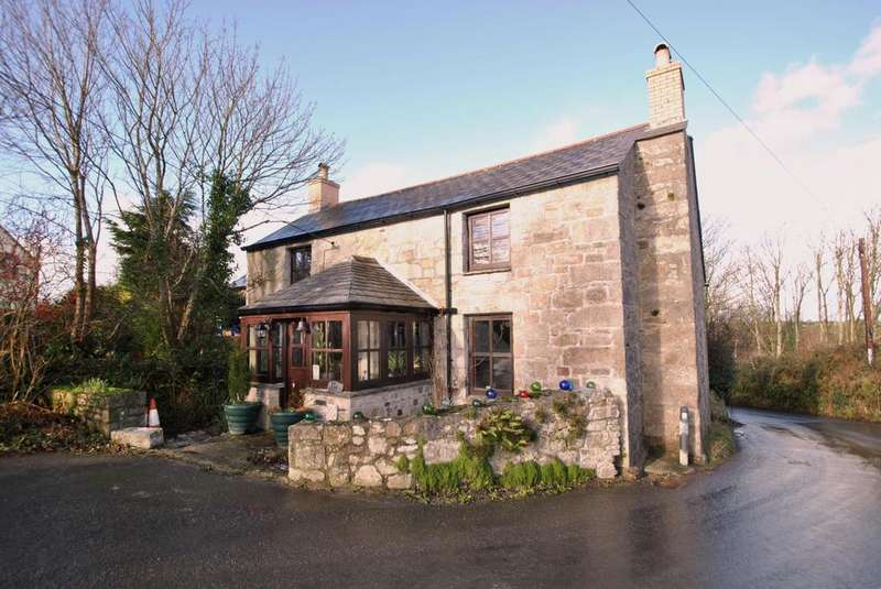 5 Bedrooms Detached House for sale in Tregonetha, St. Columb