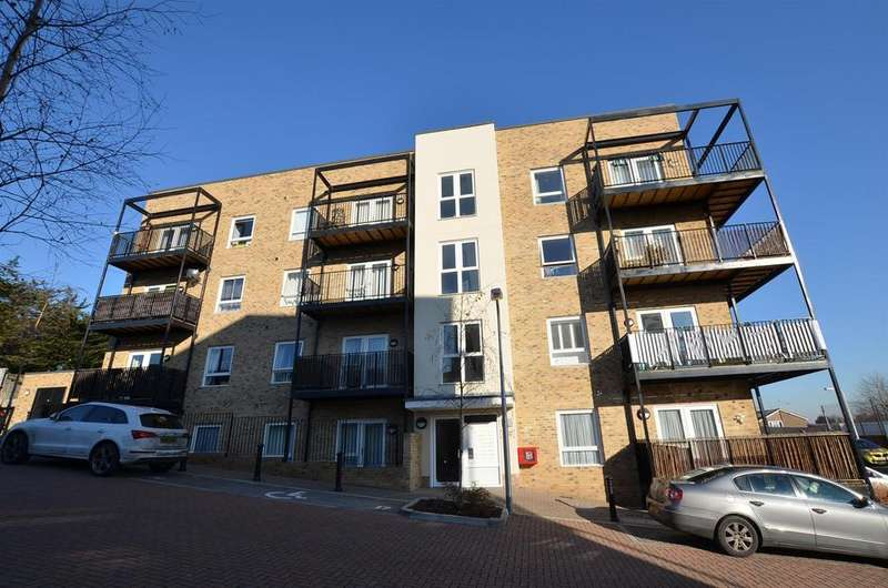 1 Bedroom Apartment Flat for sale in Deveron Drive, Tilehurst, Reading