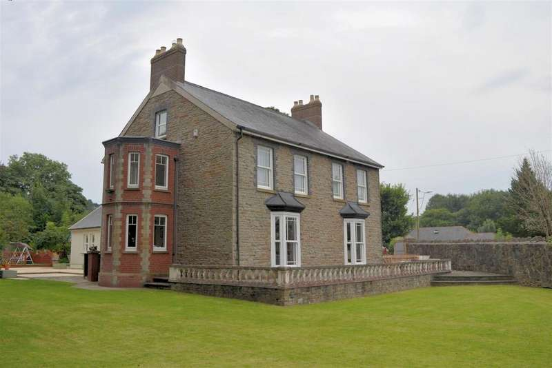 4 Bedrooms Detached House for sale in Alltiago Road, Pontarddulais, Swansea