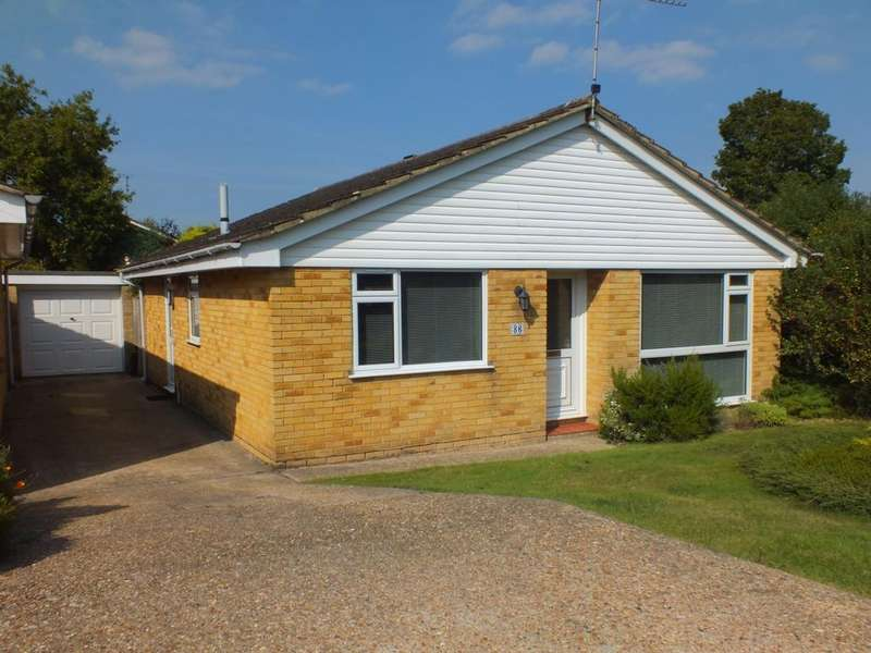 3 Bedrooms Bungalow for sale in Hoblands, Haywards Heath