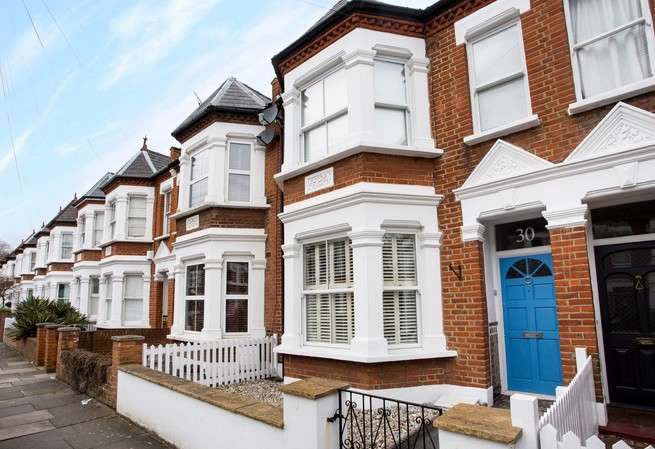 3 Bedrooms Terraced House for sale in Wilton Avenue, Chiswick
