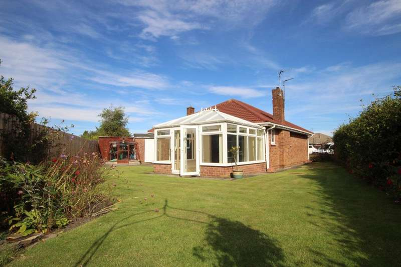 2 Bedrooms Detached Bungalow for sale in Grindon Close, West Monkseaton, Whitley Bay, NE25