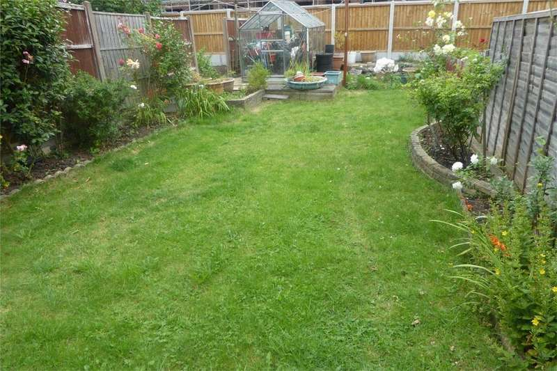4 Bedrooms Semi Detached House for sale in Central Road Wembley, Wembley