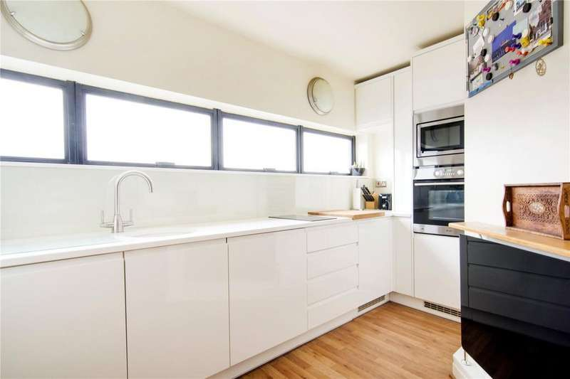 2 Bedrooms Flat for sale in Chart House, 6 Burrells Wharf Square, London, E14