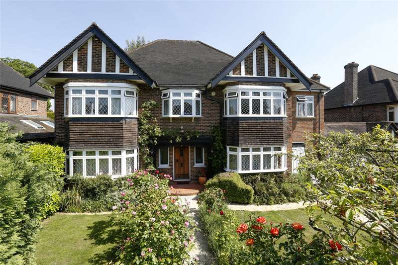 5 Bedrooms Detached House for sale in Pine Walk, Surbiton, KT5