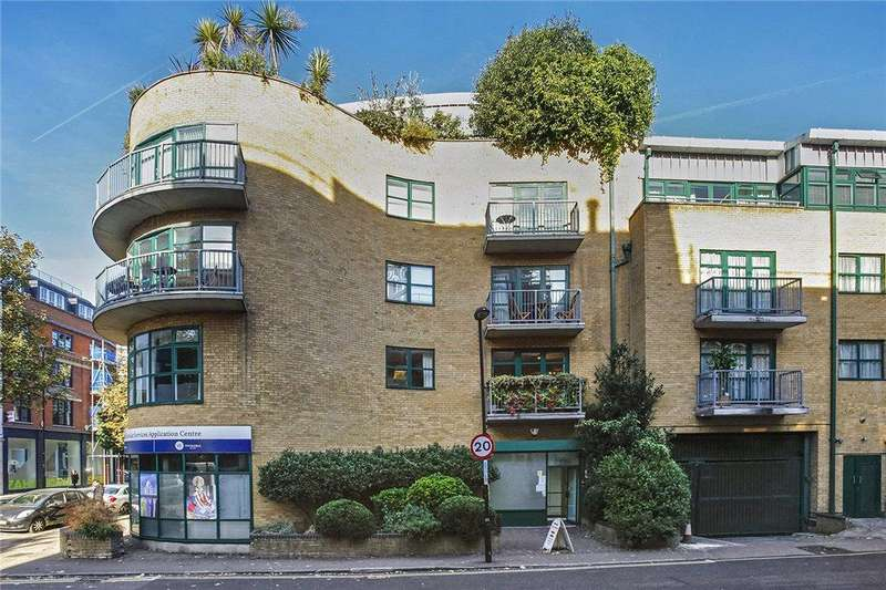 1 Bedroom Flat for sale in Silverdale Court, Goswell Road, London, EC1V