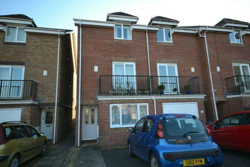 4 Bedrooms End Of Terrace House for sale in THORNE FARM WAY