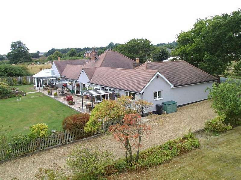 5 Bedrooms Bungalow for sale in Colchester Road, Great Totham, Essex