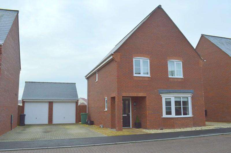 4 Bedrooms Link Detached House for sale in Cookson Close, Burnham-On-Sea