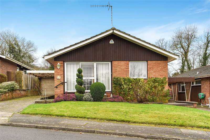 4 Bedrooms Bungalow for sale in Curzon Place, Pinner, Middlesex, HA5