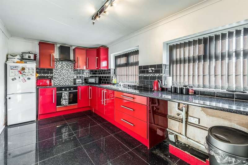3 Bedrooms End Of Terrace House for sale in North Street, PONTYPRIDD