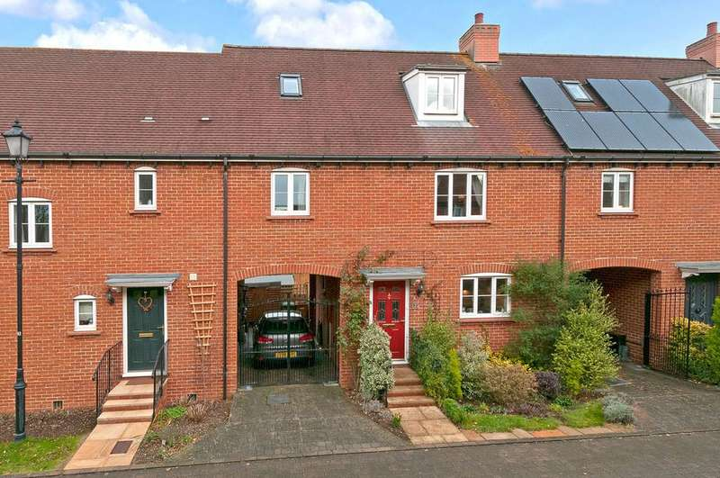 3 Bedrooms Town House for sale in Ellis Close, Five Oak Green