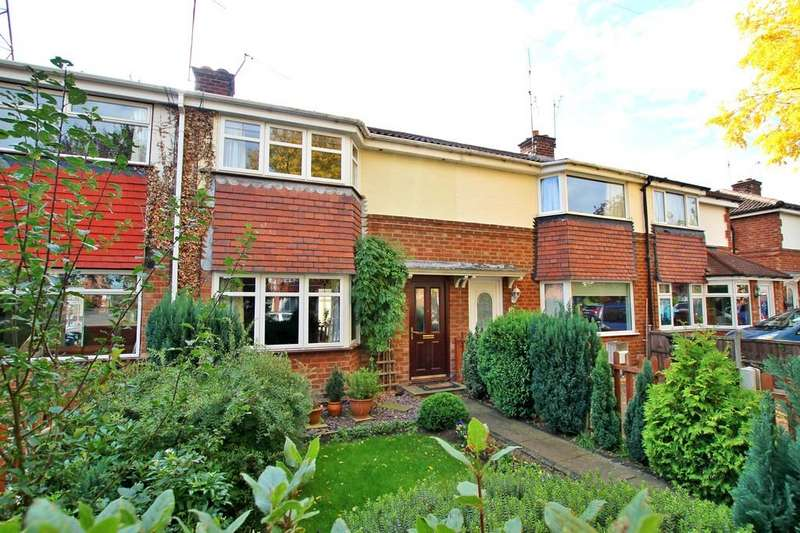 3 Bedrooms Terraced House for sale in Windsor Avenue, ST JOHNS