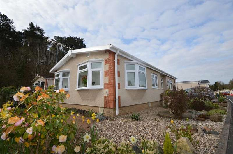 2 Bedrooms Park Home Mobile Home for sale in Kinverdale Chalet Park, Kingsford Lane, Wolverley, Worcestershire