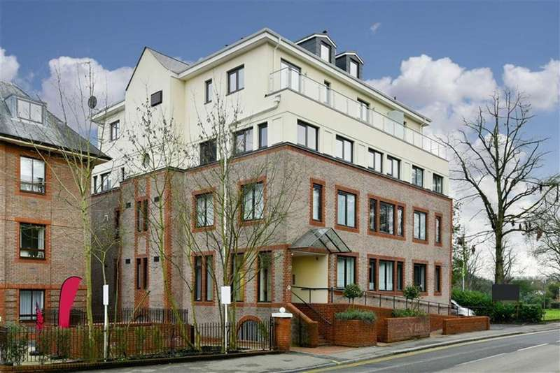 1 Bedroom Flat for sale in Novellus Court, Epsom, Surrey