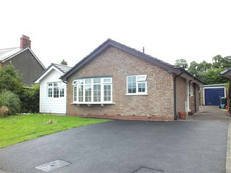 3 Bedrooms Detached Bungalow for sale in 20 Maes Tawel, Llanrwst, Conwy