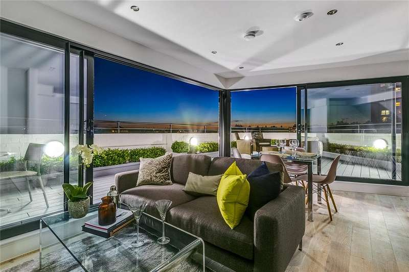 3 Bedrooms Flat for sale in The Flatiron, Fulham, London
