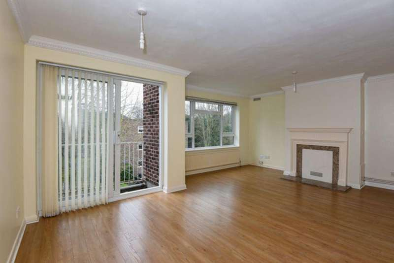 3 Bedrooms Apartment Flat for sale in Malcolm Way, Wanstead, E11