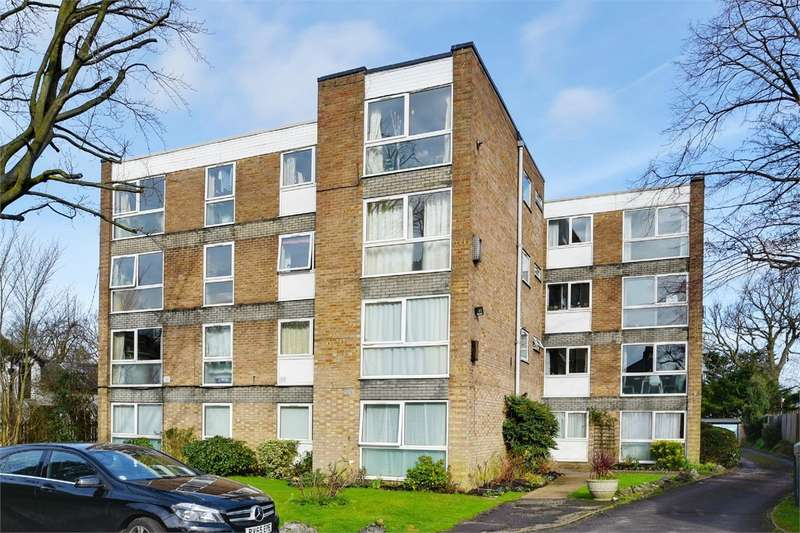1 Bedroom Flat for sale in Lynton Grange, Fortis Green, London