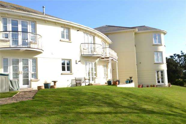 3 Bedrooms Flat for sale in Elvestone, Fore Street Hill, Budleigh Salterton, Devon