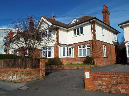 5 Bedrooms Detached House for sale in Poole, Dorset