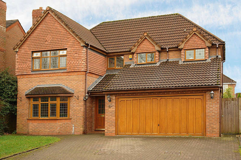 4 Bedrooms Detached House for sale in 16 Conival Way, Chadderton