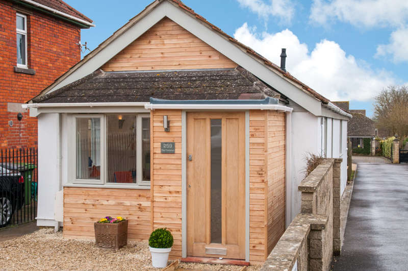 2 Bedrooms Detached House for sale in The Common, Holt, Wiltshire