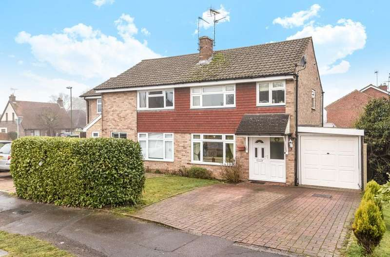 3 Bedrooms Semi Detached House for sale in Beech Road, Horsham, RH12
