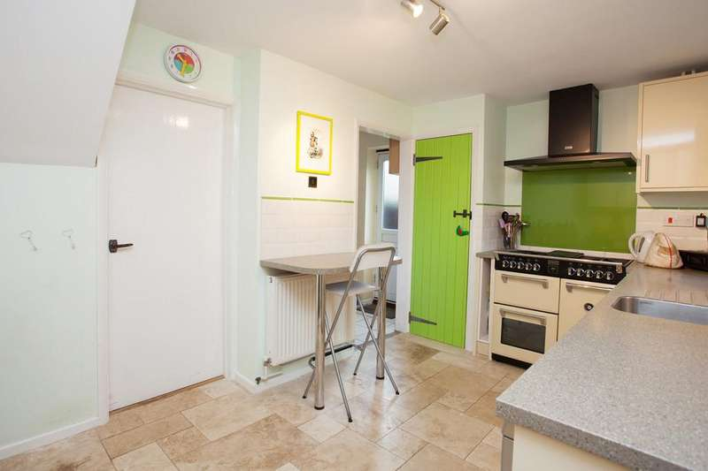 4 Bedrooms End Of Terrace House for sale in Missenden Road, Winslow